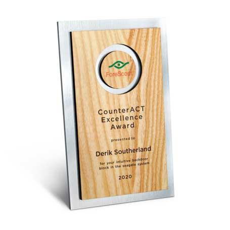 CD947A* - Circle Cutout Wood and Silver Backer Digi-Color Plaque