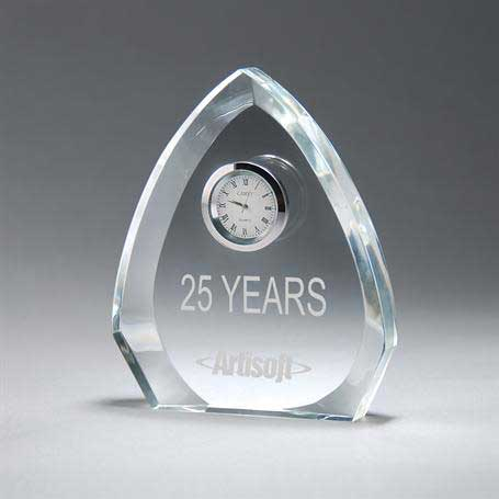 CM409 - Clear Crystal Arrowhead Clock