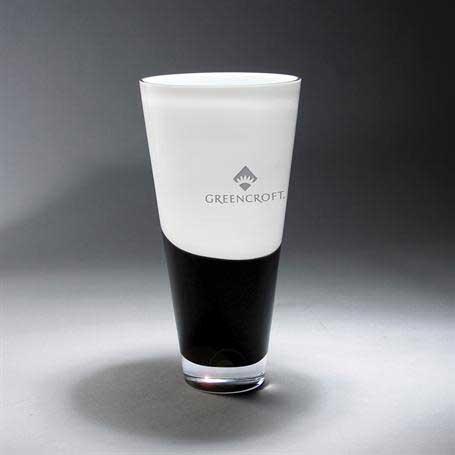 GI646 - White & Black Vase (Includes Silver Colorfill)