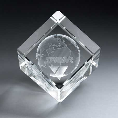 GNS141 - 3D Etched Crystal Diamond Cube - Large
