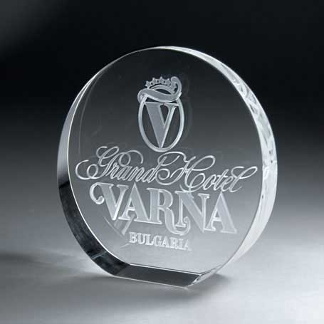 GNS150 - 3D Etched Crystal Circle - Medium
