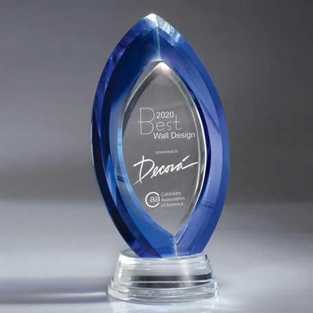 GI553 - Optic Clear and Blue Crystal Gateway Award