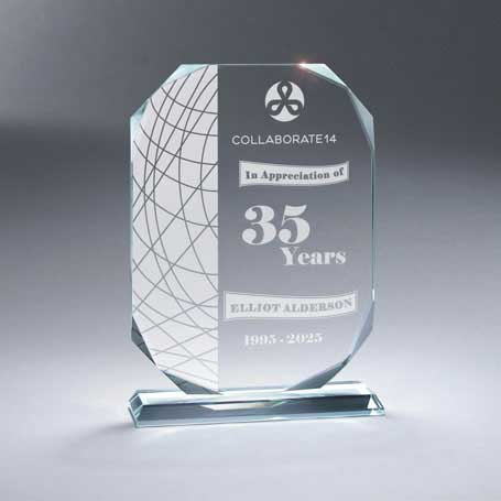 GM680A - Beveled Crystal Plaque on Base - Small