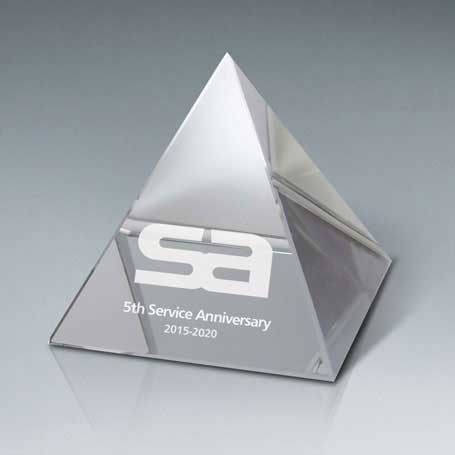 GNS180A - Optic Crystal Pyramid - Small